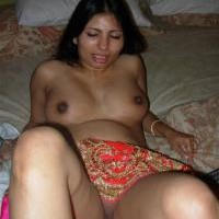 3756h.th Sexy Indian wife stripping nude showing pussy & big boobs