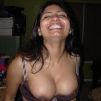 3756re.th Sexy Indian wife stripping nude showing pussy & big boobs